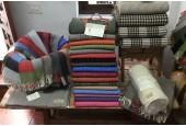 Tienda de Mantas Grazalema Centro: Artesanía en Lanas